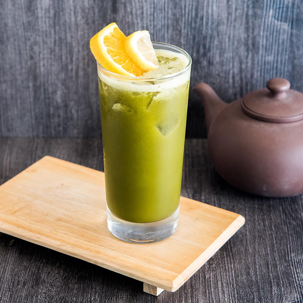 Green Tea with Fresh Fruit