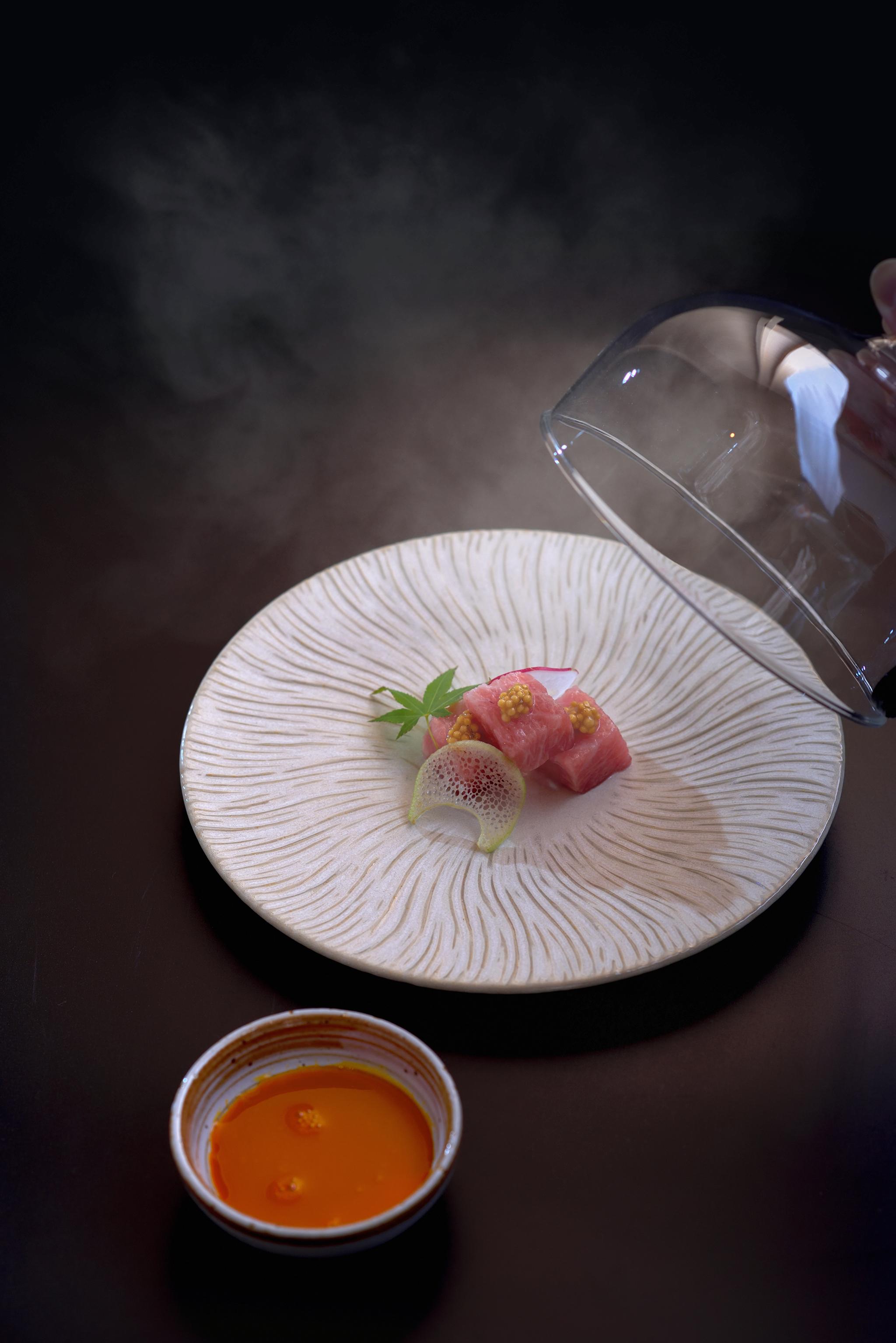 烟熏吞拿鱼腩佐日本四国产晓香蛋酱油