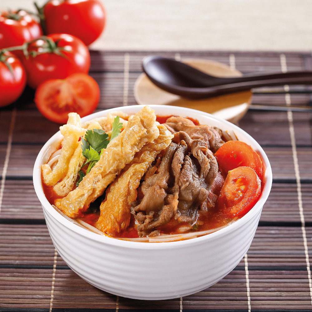 Noodle with Signature Spring Rolls & Beef Brisket
